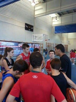 La Selección de Venezuela, en el Campus Gigantes. Hablamos con su seleccionador, el trotamundos argentino Néstor 'Che' García