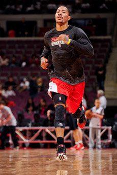 Derrick Rose poneeste domingoel broche de oro al Campus Gigantes del Basket