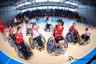 ¡¡¡Baloncesto de Base en Silla de Ruedas!!! Gracias a la AMEB