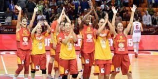 España pasa a cuartos como única invicta. Se enfrentará a Montenegro