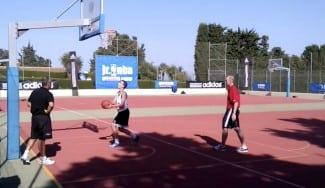 ¿Cómo se trabaja en el #JrNBAGcamp con el técnico NBA Neal Meyer? ¡Aquí lo tienes! (Vídeo)