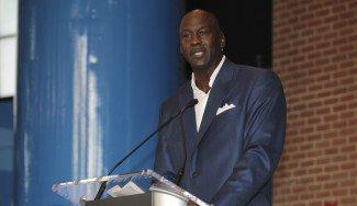 Michael Jordan dona dos millones de dólares y se pronuncia sobre la violencia racista