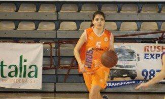 La jugadora más joven en debutar en el baloncesto en este siglo juega en León