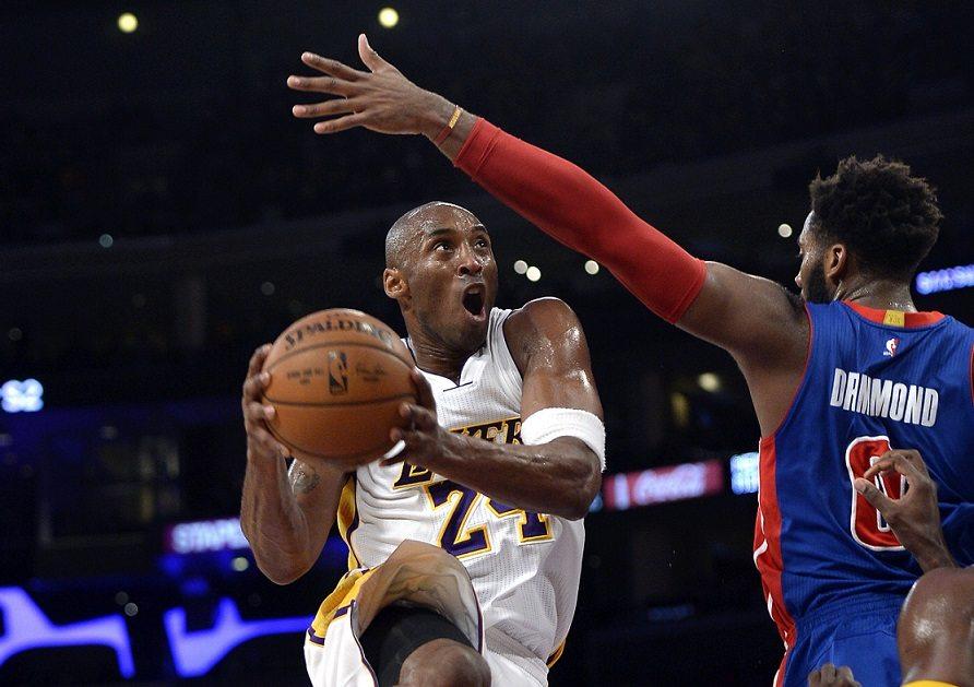 Kobe, un domingo feliz en el Staples. Su esfuerzo para batir a los Pistons (Vídeo)