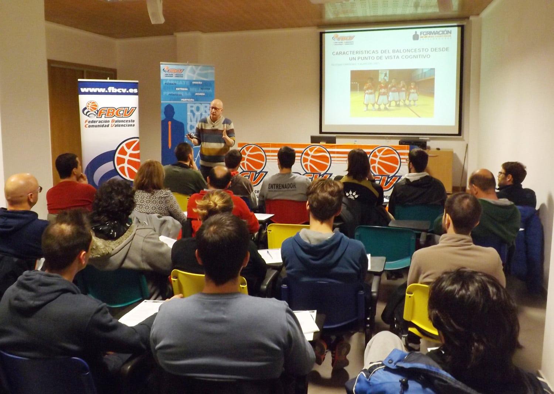 Los entrenadores siguen formándose. Psicología y baloncesto en la Comunidad Valenciana