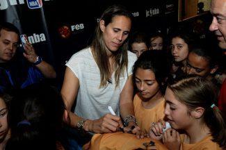 Entrevistas con los maestros de ceremonias del Big Event de la liga JR. NBA-FEB en Valladolid
