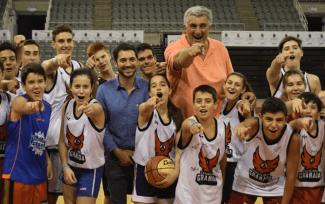 Todo un Gigante: Fernando Romay, en el Campus de Granada. Así ha sido su visita (Vídeo)