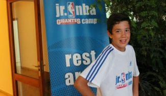 Segundo día del JR NBA Gigantes Camp. El recurso más solidario, el pase, a escena (Vídeo)