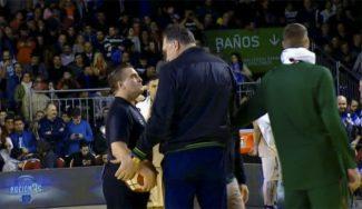 Lituania: anulan un triple ganador a Javtokas y Arvydas Sabonis acaba pacificando (Vídeo)