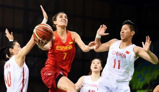 España suda para ganar a China. Torrens, récord anotador olímpico de una española