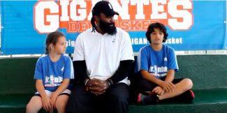 Ronny Turiaf y dos niños ponen fin a la primera semana del Jr NBA Gigantes Camp