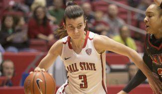 Carmen Grande, asistente top en la NCAA: elogios de su técnico y compañeras