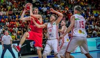 España gana a Bielorrusia y sigue invicta de camino al Mundial