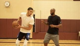 Jayson Tatum trabaja sus movimientos con Kobe Bryant