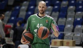James Augustine anuncia en televisión su retirada del baloncesto