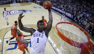 Zion Williamson: todos los mates en la NCAA de la bestia que llega a la NBA