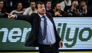 La liga turca se detiene por el coronavirus con el Anadolu Efes como líder