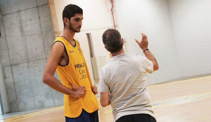Santi Aldama está entrenando con el Granca: no volverá a USA de momento
